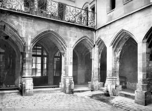 Cloitre_des_Carmes-Billettes_Paris_04