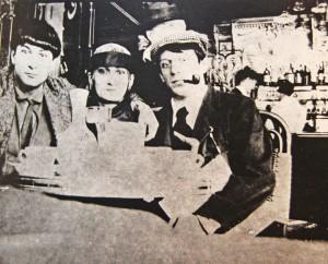 Pablo-Picasso-Cafe-la-Rotonde-paris-1916